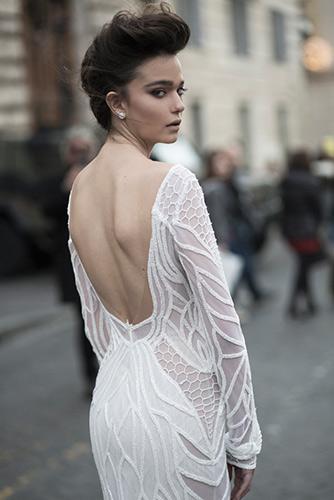 שמלת כלה קווים זורמים גב פתוח