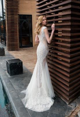 שמלת כלה עדינה גב תחרה וטול
