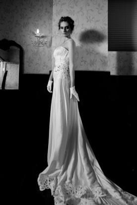 שמלת כלה סטרפלה חגורת תחרה