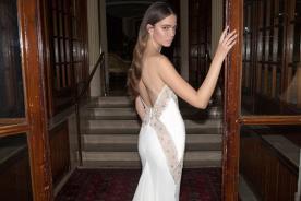 שמלת כלה גב פתוח וסאטן מחורז