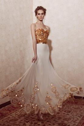 שמלת כלה מיוחדת מחוך זהב מנצנץ