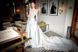 שמלת כלה צנועה חצאית סאטן