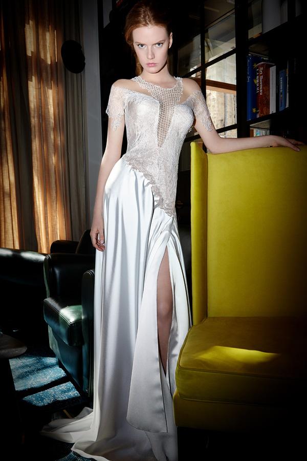 שמלת כלה חתך אסימטרי