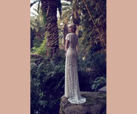 שמלת כלה מחורזת צנועה מרשימה