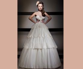 שמלת כלה נפוחה פפיון וקומות