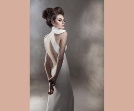 שמלת כלה בעיצוב מודרני גב חשוף