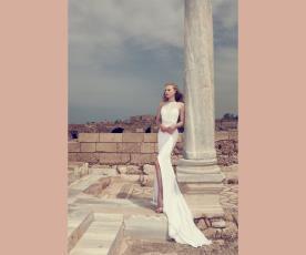 שמלת כלה קולר תחרה שסע ושובל