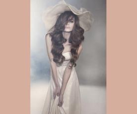 שמלת כלה סטרפלס כיווצים וחגורה