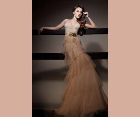 שמלת ערב קומות טול וחגורת מותן