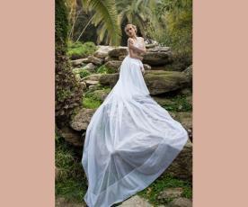 שמלת כלה כתפיות ושובל עשיר חלק