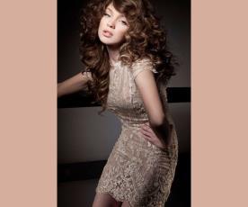 שמלת ערב מיני עם שרוולים