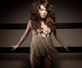 שמלת ערב בגד גוף פרנזים ופפיון