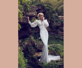 שמלת כלה קלאסית מעוצבת שרוולים