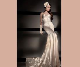 שמלת כלה סאטן עם שובל ואבנים