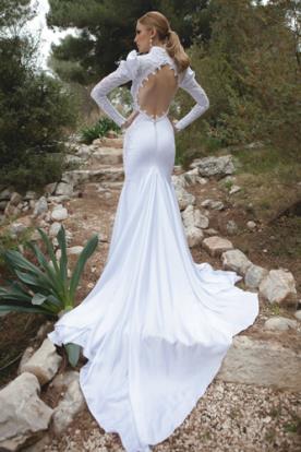 שמלת כלה שרוולים עם נפח