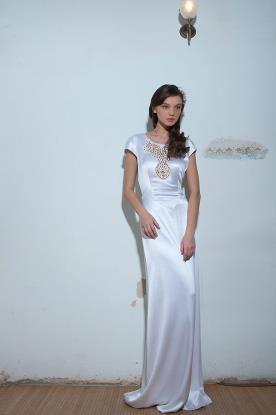 שמלת כלה: שמלת סאטן, שמלה בגזרה נשפכת, שמלה בסגנון רומנטי, שמלה בסגנון קלאסי, שמלת וינטאז', שמלה בסגנון עדין, שמלת משי, שמלה עם שרוולים, שמלה בצבע לבן, שמלת מקסי - ליליום