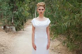 שמלת כלה אלגנטית עם נגיעת זוהר