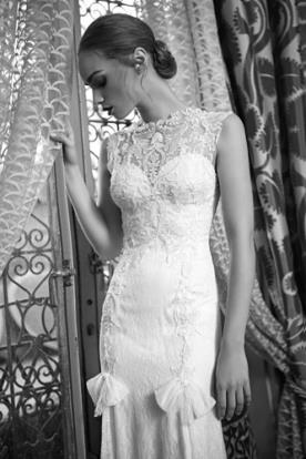 שמלת כלה תחרה עם פפיונים