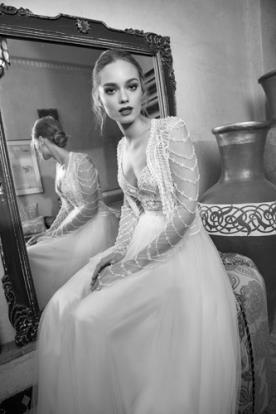 שמלת כלה רומנטית עם חרוזים עדינים