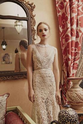 שמלת כלה עדינה בגוון אוף וויט