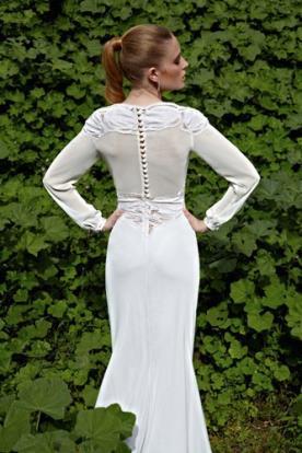 שמלת כלה רומנטית בגזרה אלגנטית