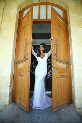 שמלת כלה חורפית למראה נשי