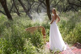 שמלת כלה מקסי עם גב פתוח מעוגל