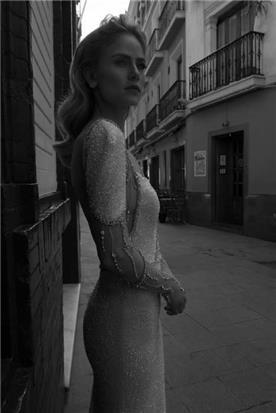 שמלת כלה בעבודת יד
