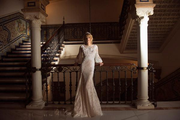 שמלה רומנטית צנועה לכלה