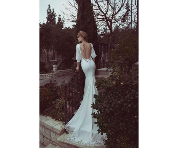 שמלת כלה נשפת עם שרוולים