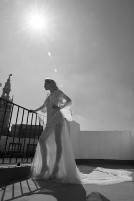 שמלת כלה שובל טול ארוך