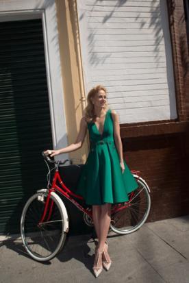 שמלת ערב ירוקה עם עיטורי זהב