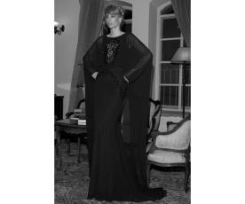 שמלת ערב שחורה רומנטית