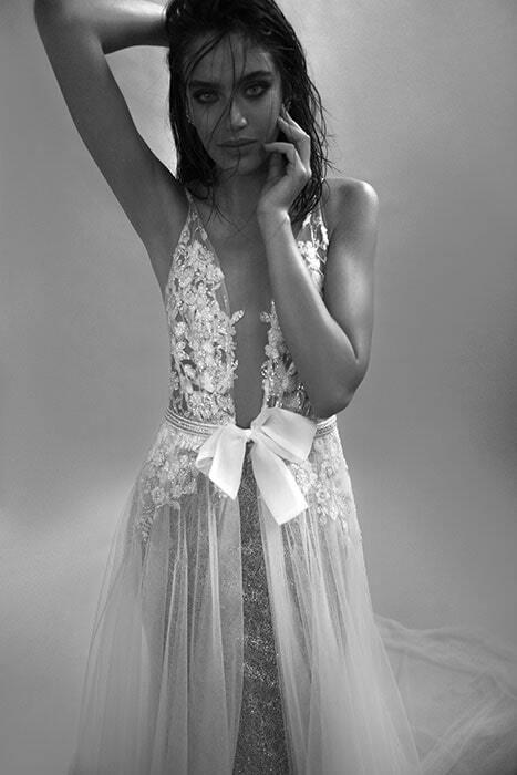 שמלה עם שובל