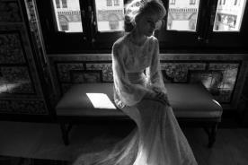 שמלת כלה קלאסית לחתונת חורף