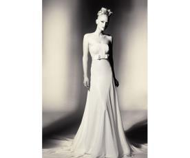 שמלת כלה עם פפיון עדין