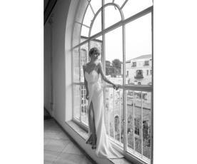 שמלת מעטפת רומנטית לכלה