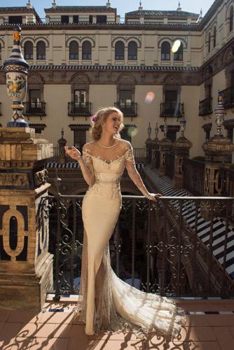 שמלת כלה מעוטרת למראה זוהר