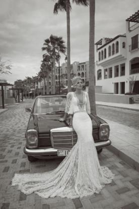שמלת כלה או ערב: שמלה עם חגורה במותן, קולקציית 2014, שמלה בסגנון רומנטי, שמלה בסגנון קלאסי, שמלת וינטאז', שמלה בסגנון עדין, שמלה בסגנון בוהו שיק, שמלה עם תחרה, שמלה עם חרוזים, שמלה עם מחשוף, שמלה עם שובל, שמלה עם שרוולים, שמלה עם גב חשוף, שמלה בצבע לבן, שמלת מקסי - סטודיו טל כחלון