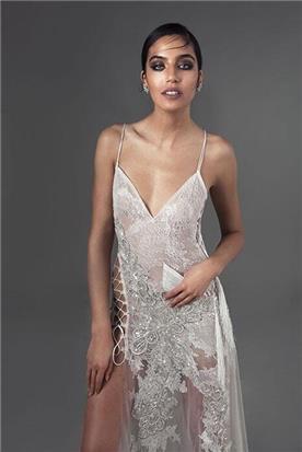 שמלת ערב עם מחוך