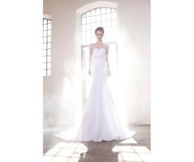 שמלת כלה רומנטית למראה קסום