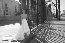 שמלת כלה אסימטרית למראה קסום