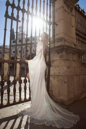 שמלת כלה נשפכת בסגנון וינטג'