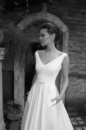 שמלת כלה בעיצוב מלכותי עם כיסים
