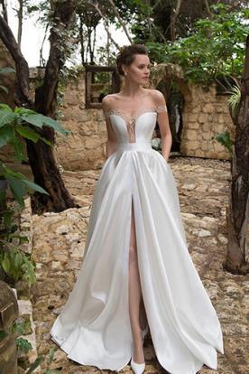 שמלת כלה נסיכתית מעוטרת יהלומים