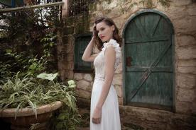 שמלת כלה ייחודית עם כתפיות עבות