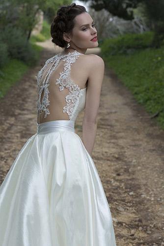 שמלת כלה נסיכותית עם גב מעוטר