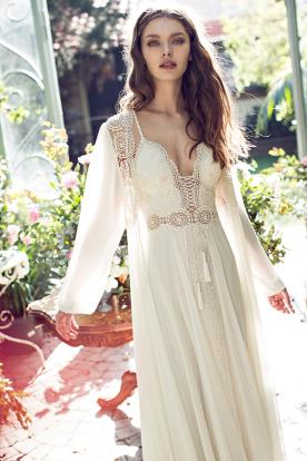 שמלת כלה כפרית עם שריכה