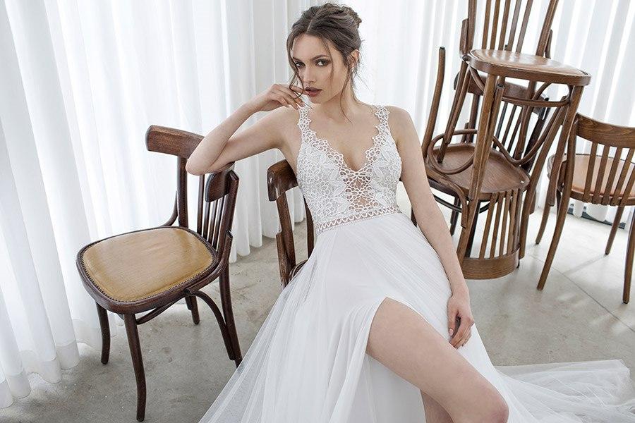 שמלה נועזת עם שסע