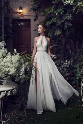 שמלת כלה דגם קולר ושסעים בחצאית